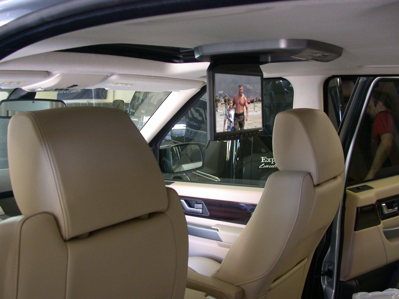 Выбираем потолочный монитор в авто